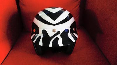 Matching zebra stripe Bell Custom 500 helmet