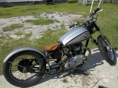 Triumph Bonneville T120 Bobber