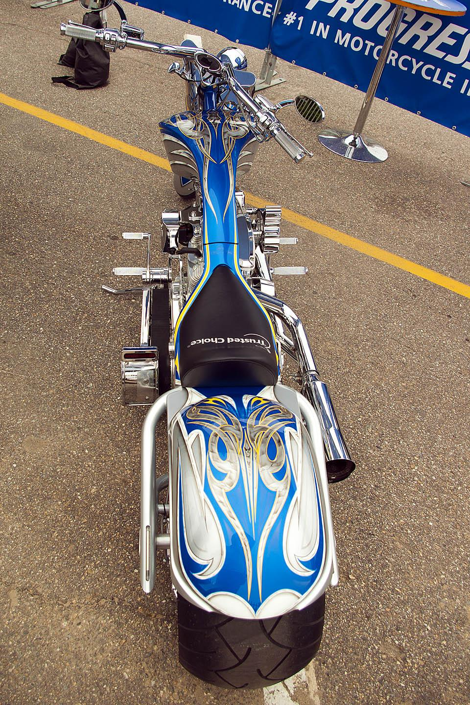 wide tire show bike