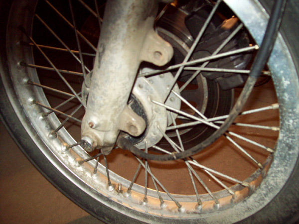 caroded front wheel