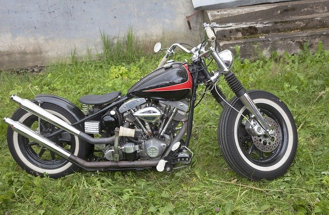 dual exhaust bobber